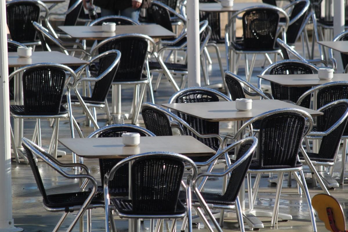 Mesas y sillas para restaurantes muebles para restaurantes - Sillas para restaurante ...
